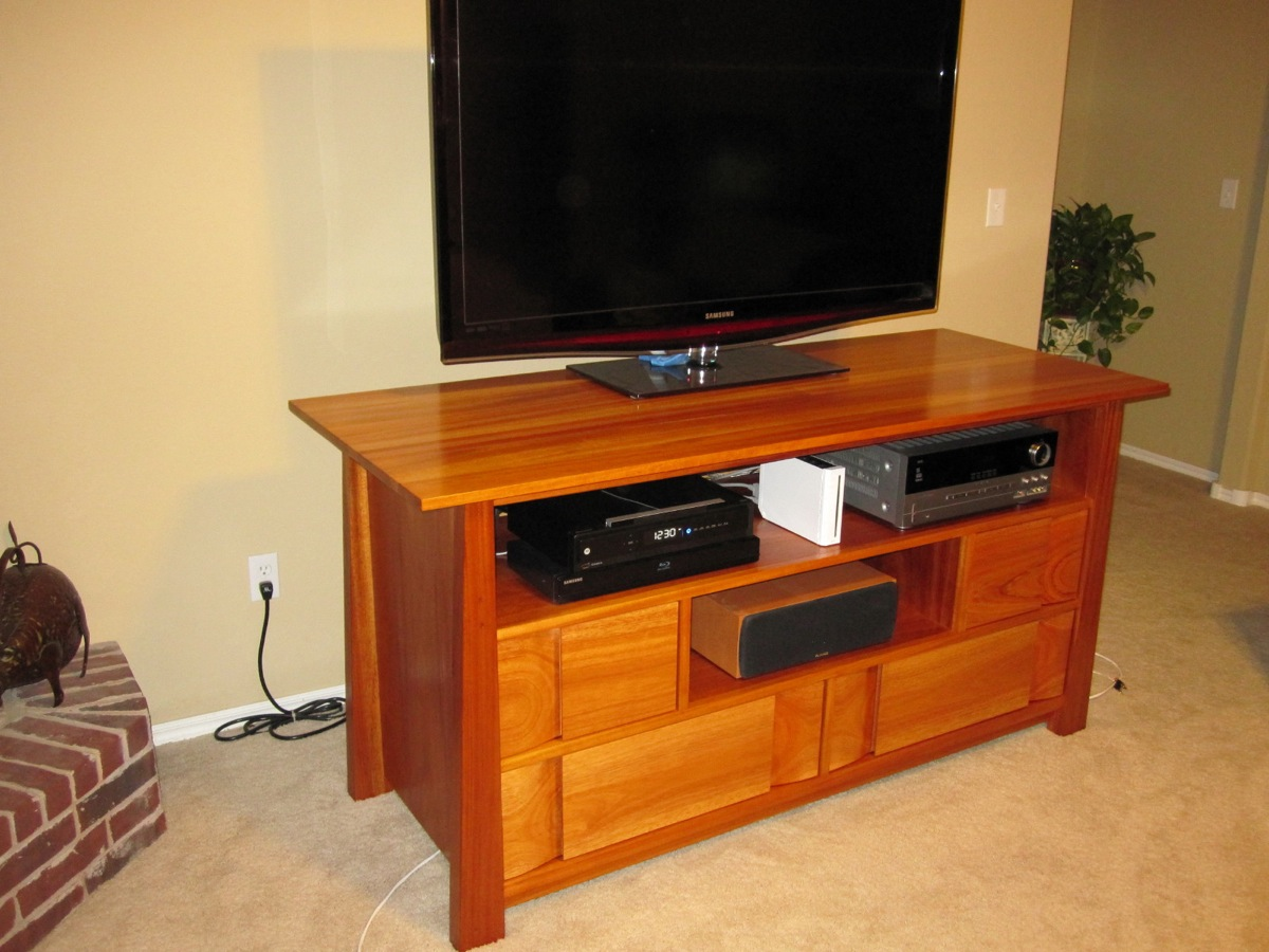 Image of: Solid Wood Tv Stands For Flat Screens