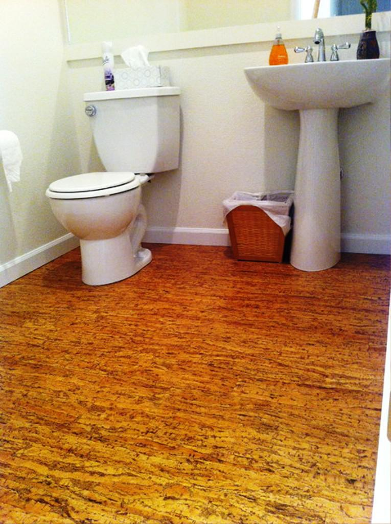 Image of: Cork Floors in Bathrooms