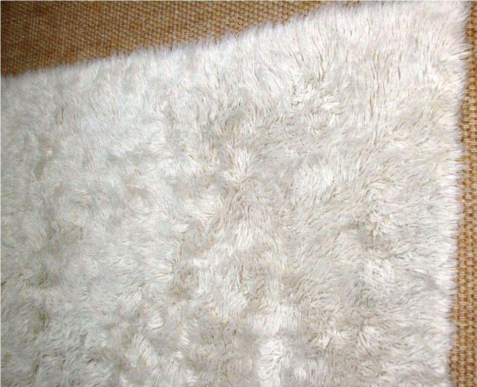 Image of: Faux Flokati Rug