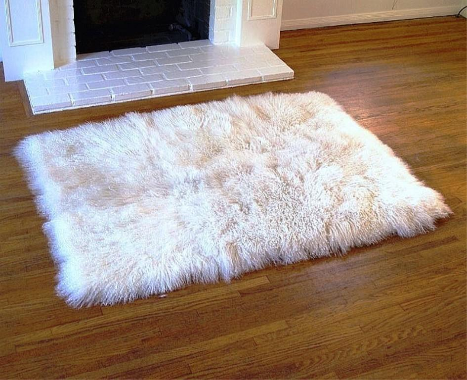 Image of: IKEA Faux Fur Rug