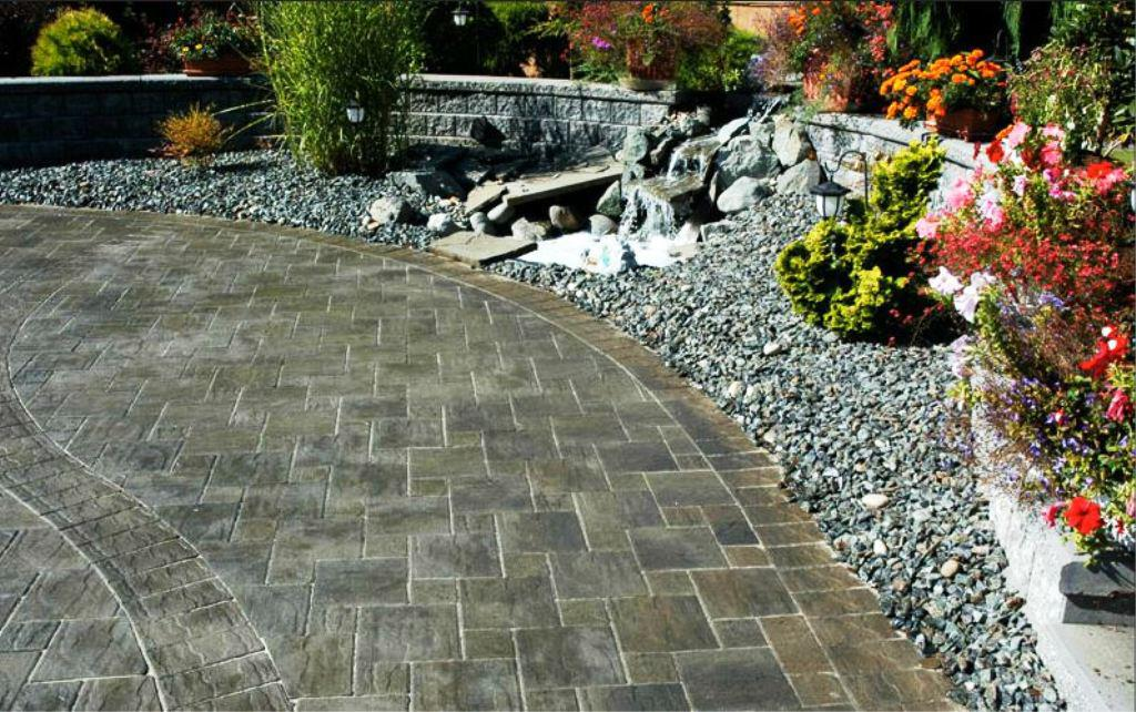 Image of: Interlocking Pavers Installation