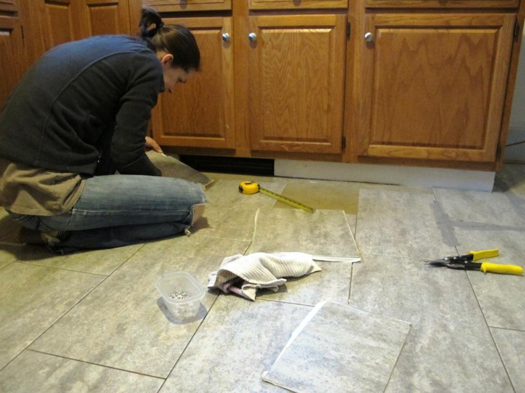 Image of: Kitchen Vinyl Floor Tiles