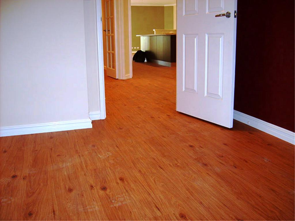 Image of: Wood Looking Vinyl Flooring Planks