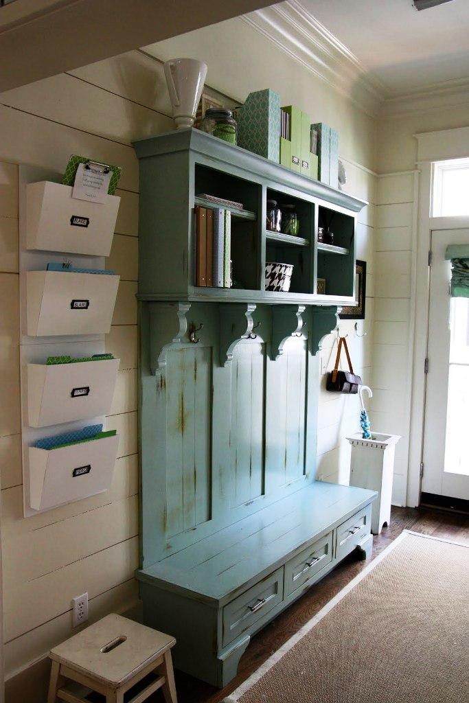 Image of: How To Build A Mudroom Bench With Storage