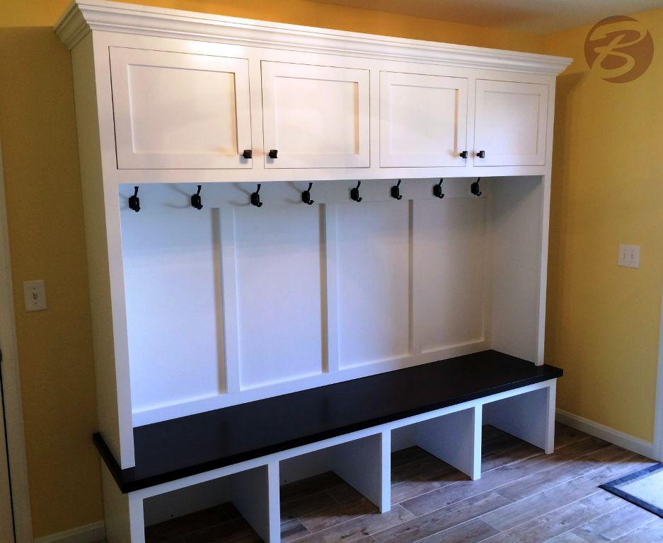 Image of: How To Build A Mudroom Bench