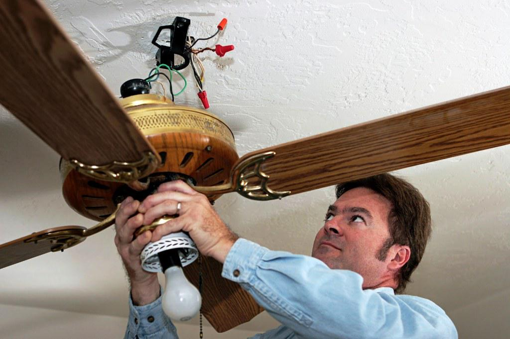 Image of: How to Wire a Ceiling Fan with Light