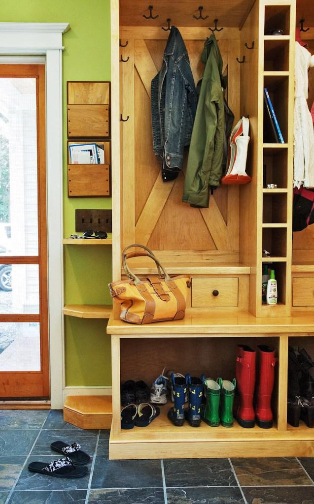 Image of: Mudroom Shoe Storage Ideas