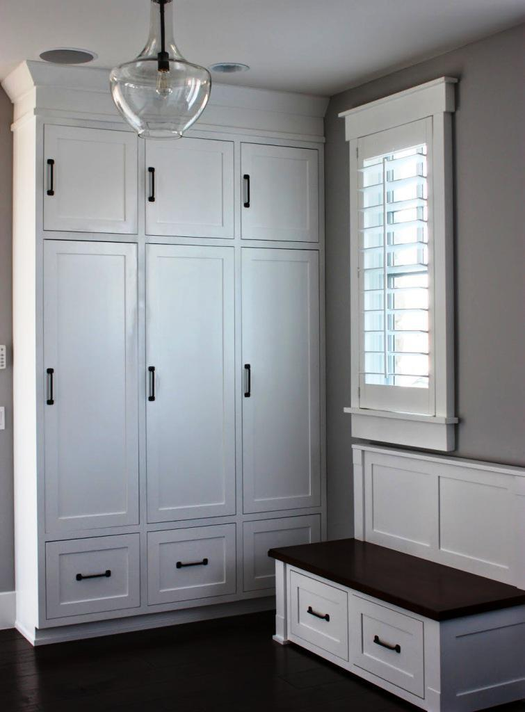 Image of: White Mudroom Lockers