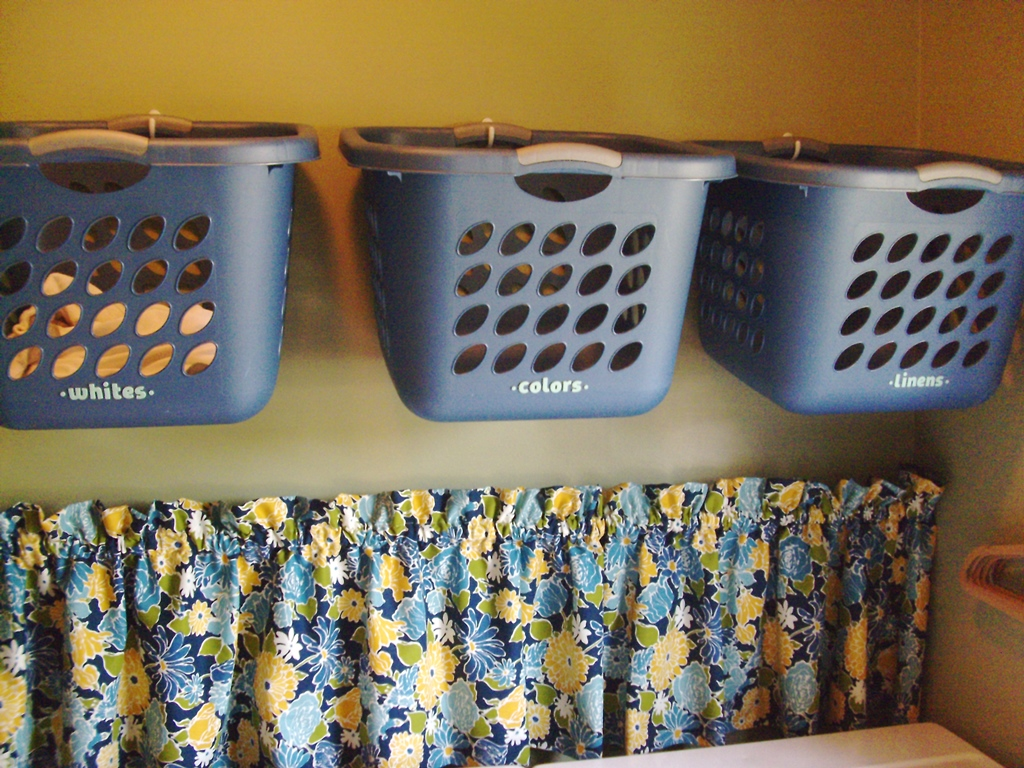 Image of: Apartment Size Metal Laundry Hamper