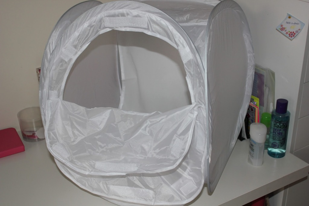 Image of: Canvas Pop Up Laundry Hamper On Wheels