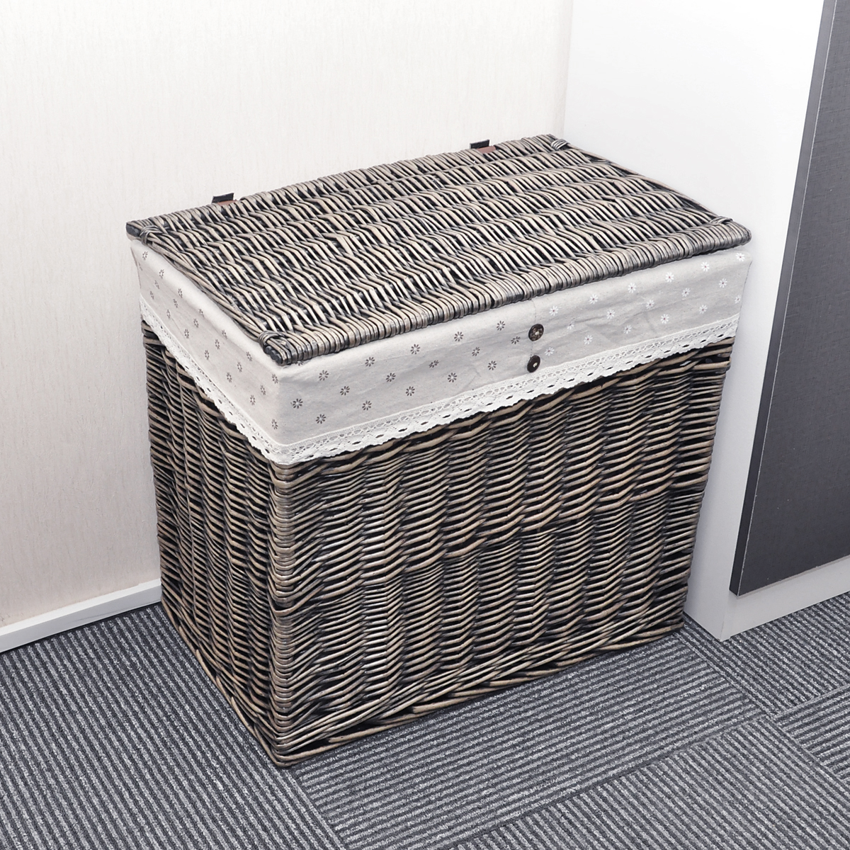 Image of: Cute Divided Laundry Hamper