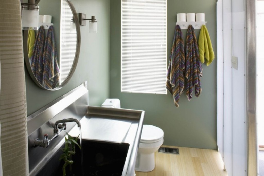 Image of: drop in laundry sink faucet lowes