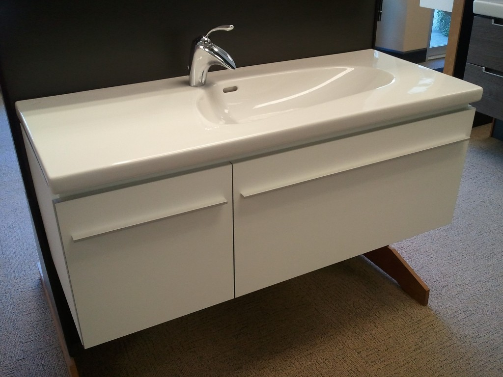 Image of: Drop In Laundry Sink Wall Mount