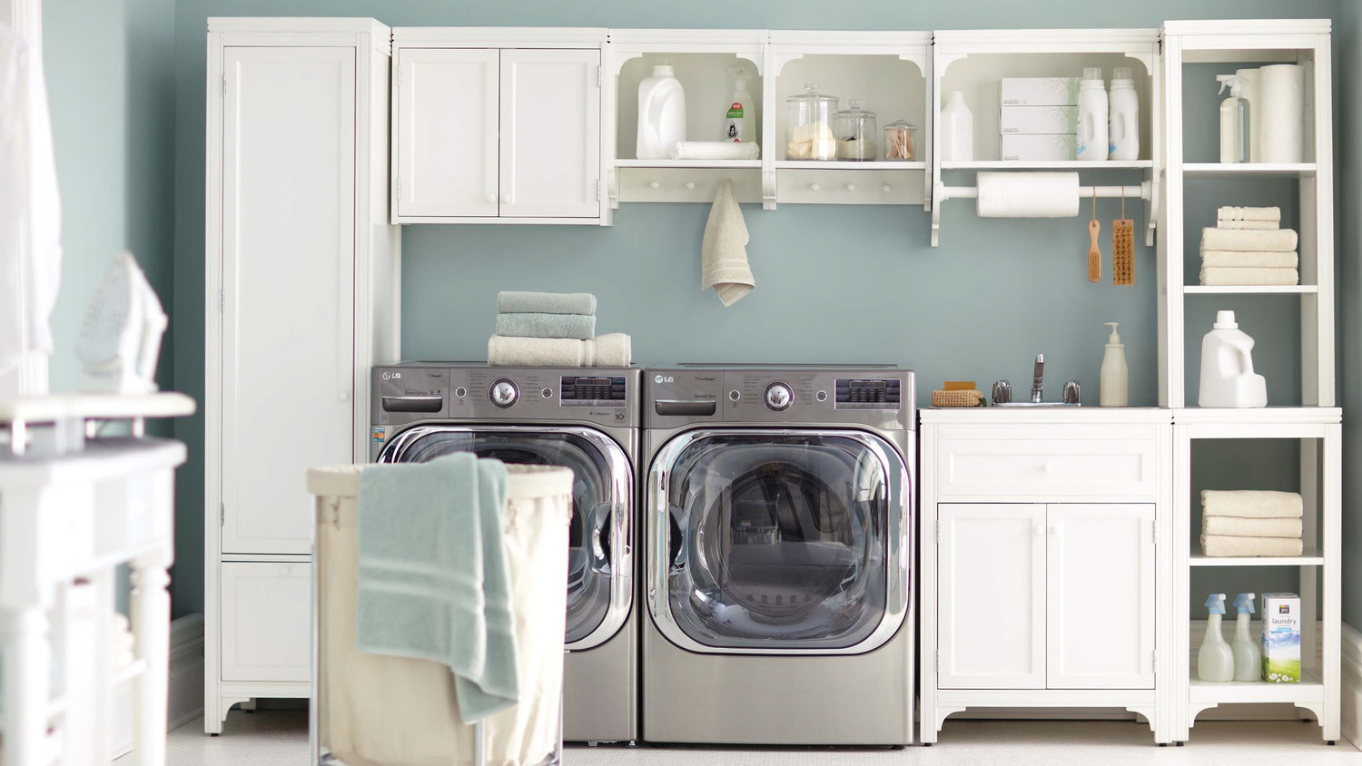 Image of: Essential Laundry Room Organizer