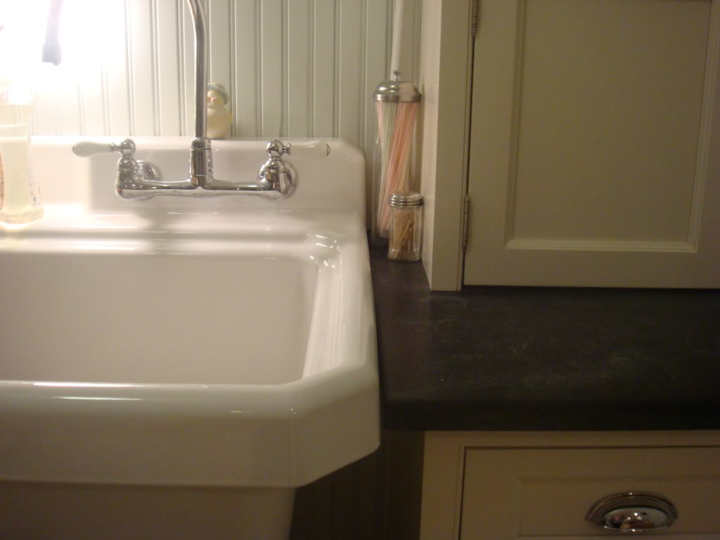 Image of: Kohler Laundry Sink Faucet