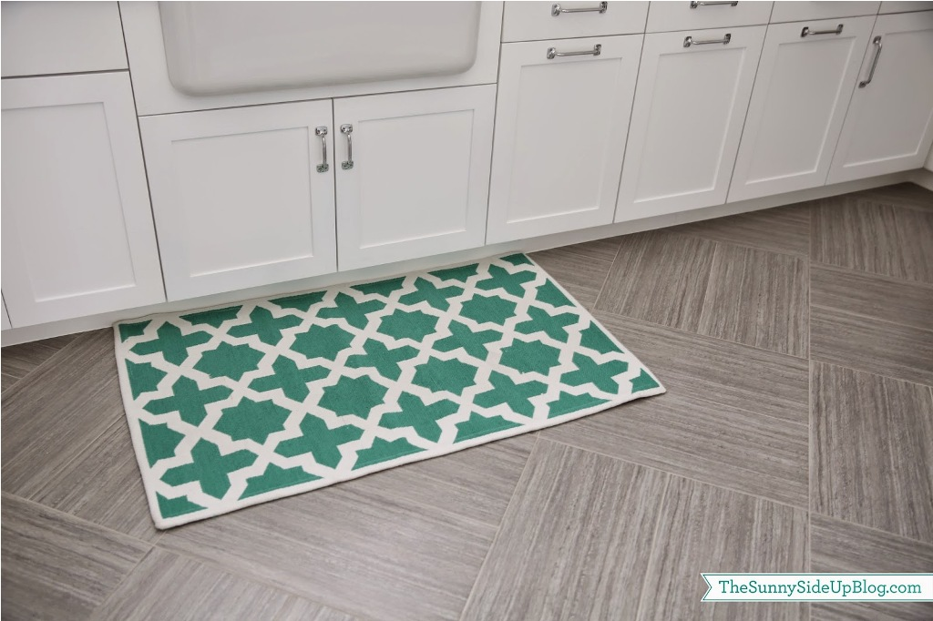 Image of: Laundry Room Rug Cabinets