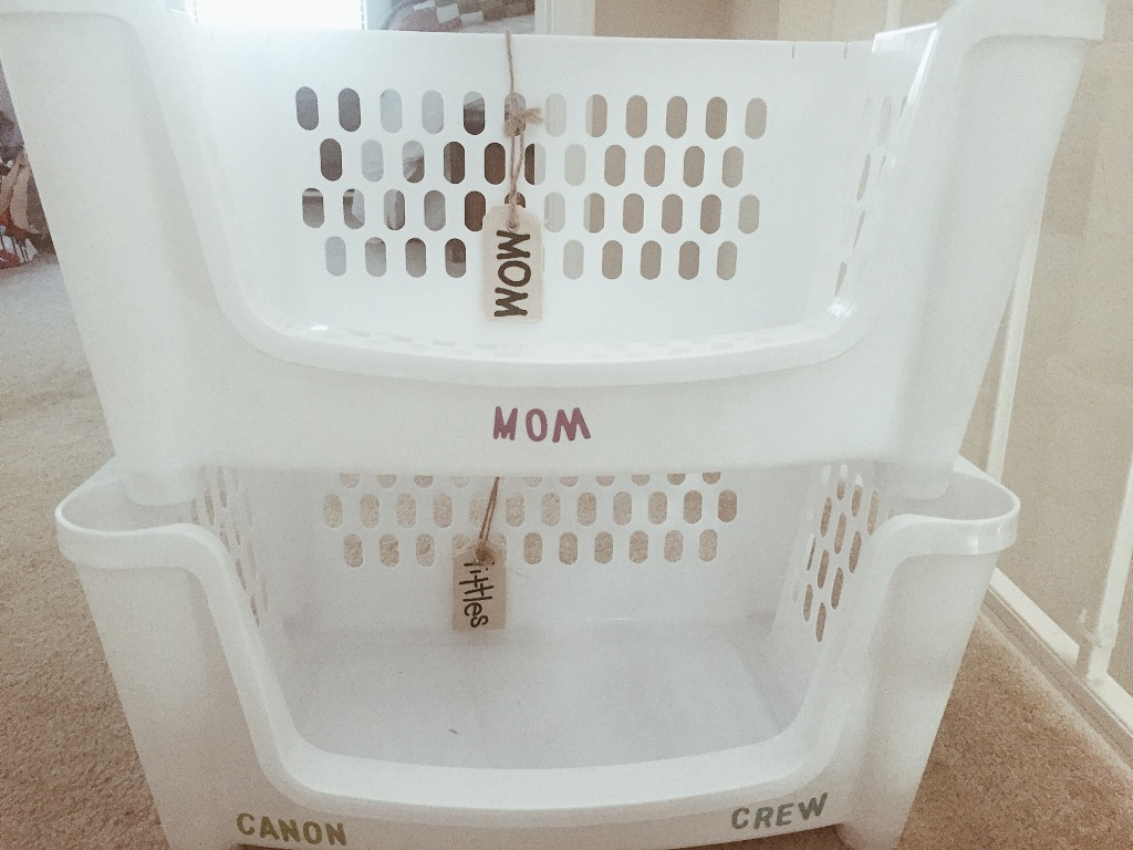 Stackable Laundry Baskets with One Handle