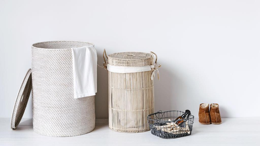 tall-laundry-basket-with-lid