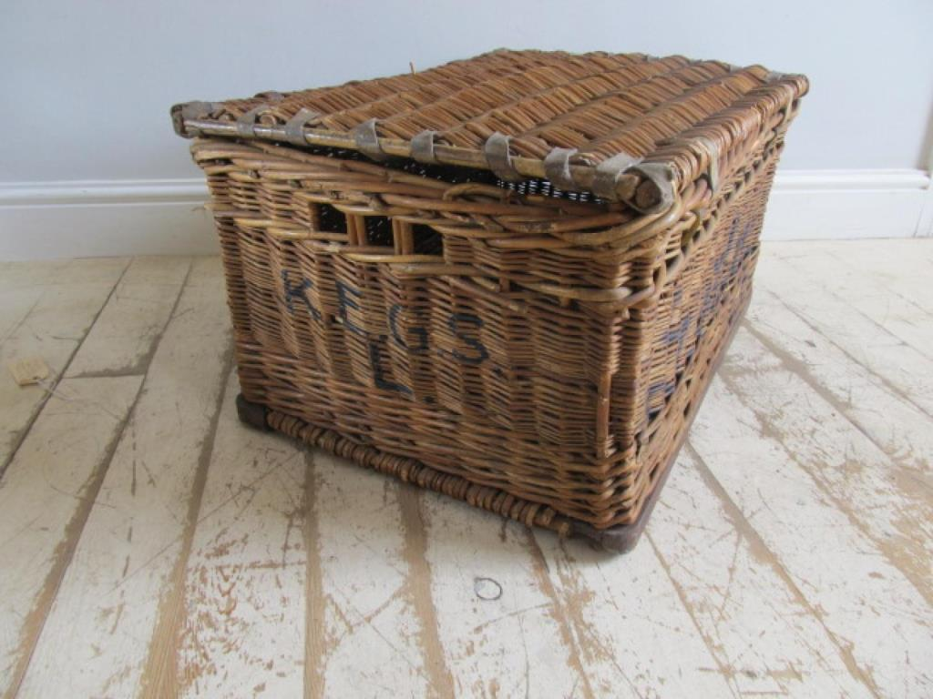 Image of: Wicker Laundry Basket In Black