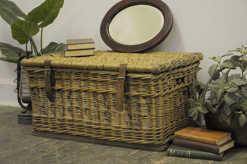 Image of: wicker laundry basket with divider