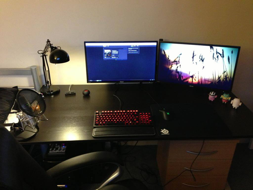 Image of: Beautiful Atlantic Gaming Desk