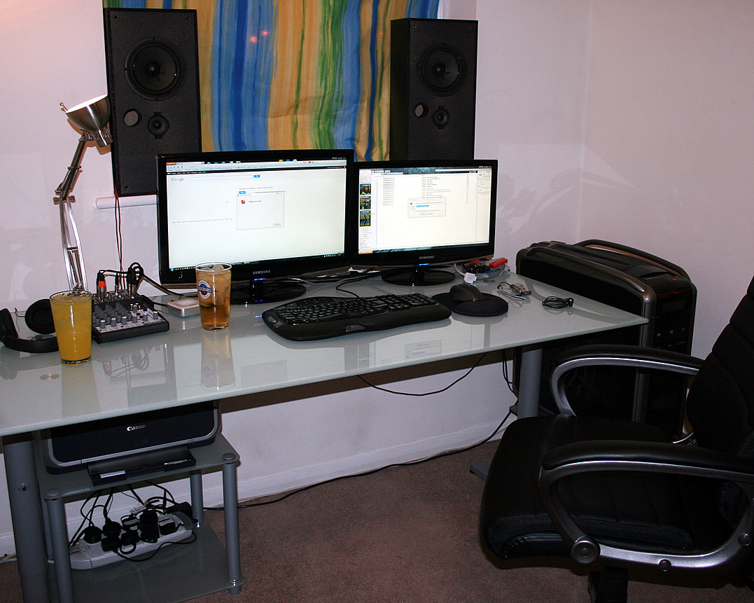 Image of: Best Computer Desk with Hutch IKEA