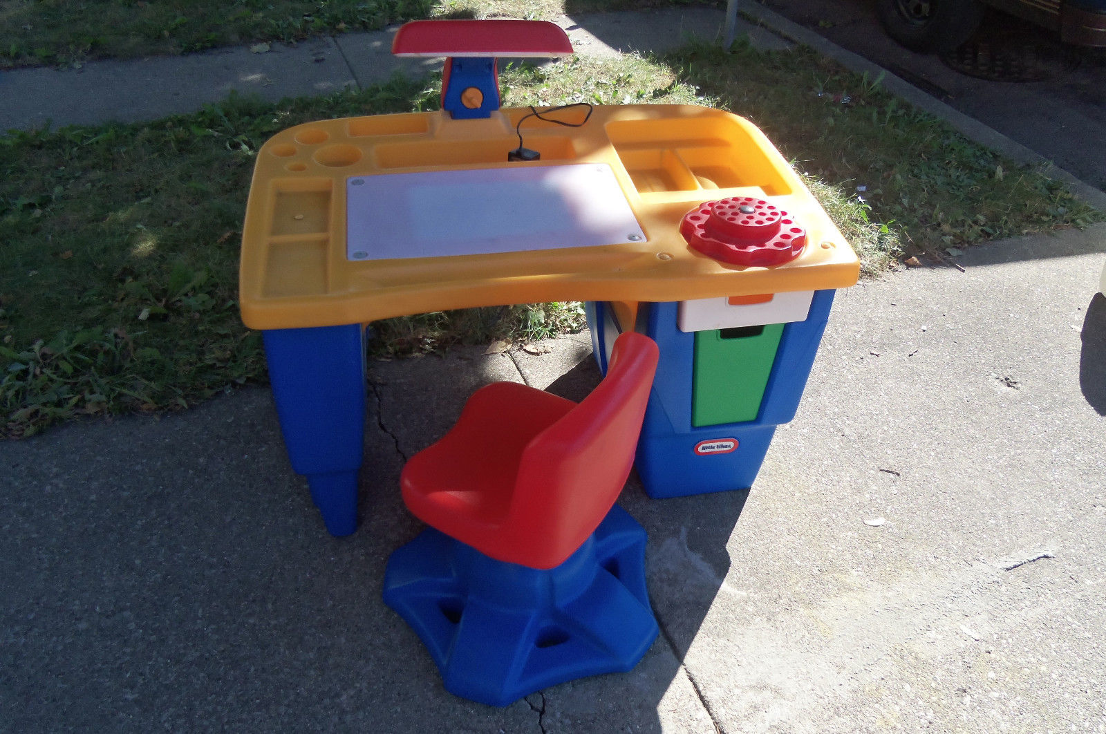 Image of: Best Crayola Art Desk