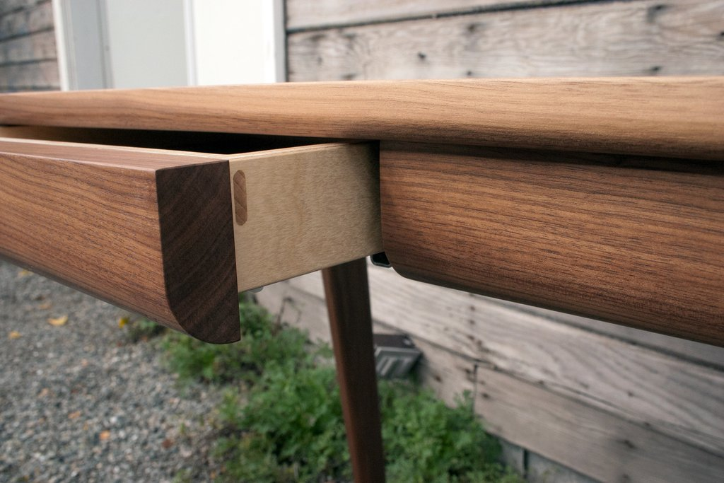 Image of: Cantilever Desk Drawer