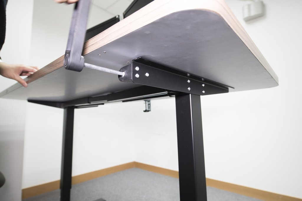 Image of: Crank Desk Stand Up