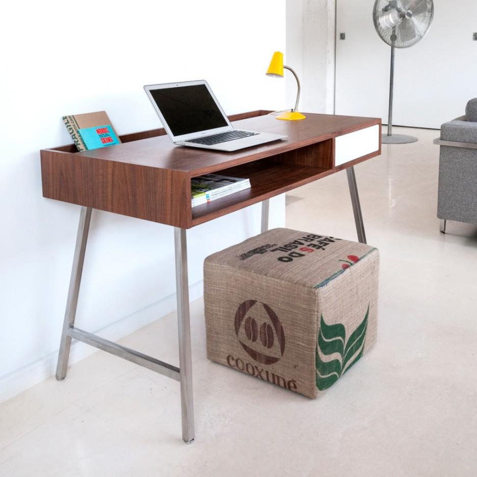 Image of: Deep Computer Desk Modern
