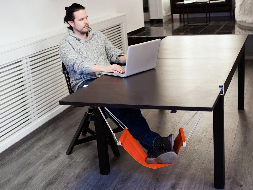 Image of: Desk Foot Rest Ideas