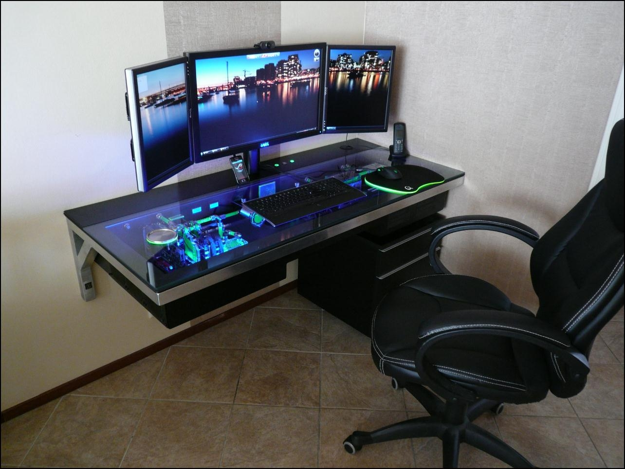 Image of: Excellent Corner Gaming Desk