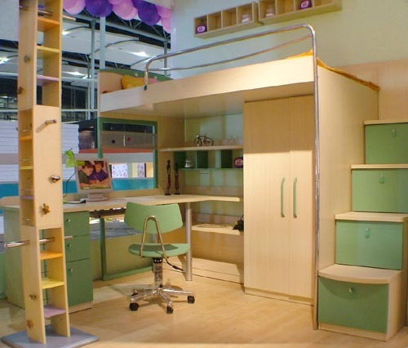 Image of: Good Bunk Beds for Kids with Desk