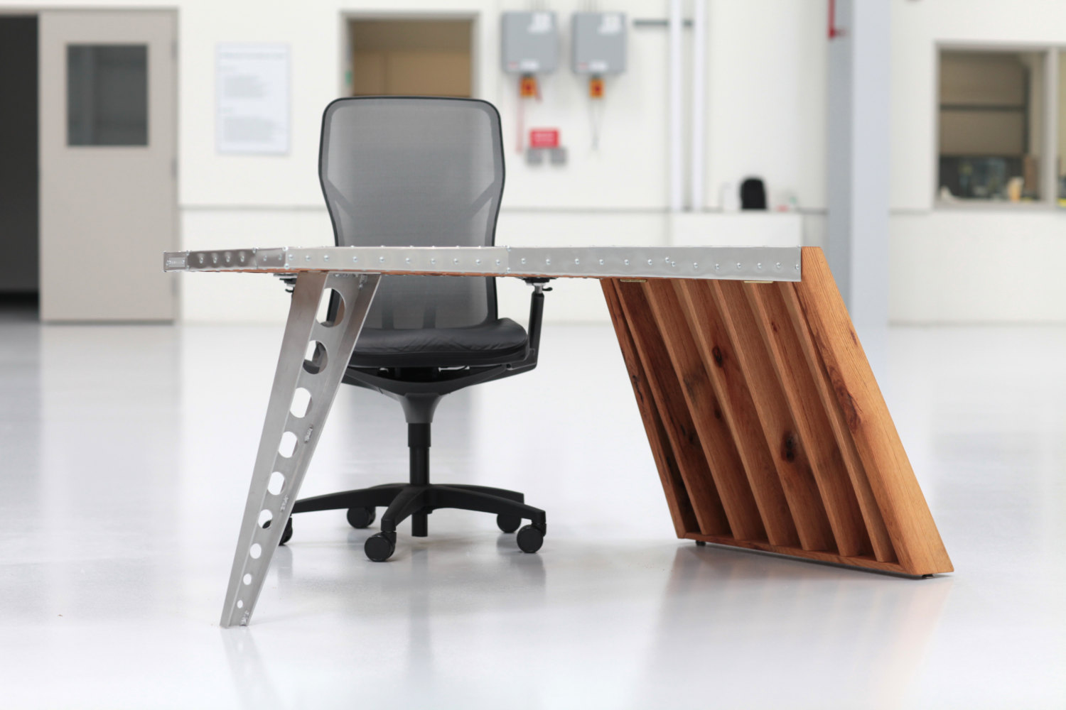 Image of: Modern Aviator Wing Desk