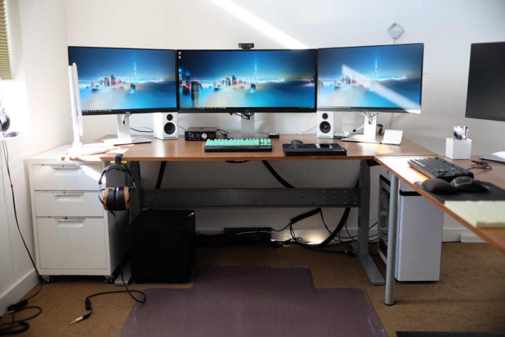 Image of: Modern Computer Desk Gaming