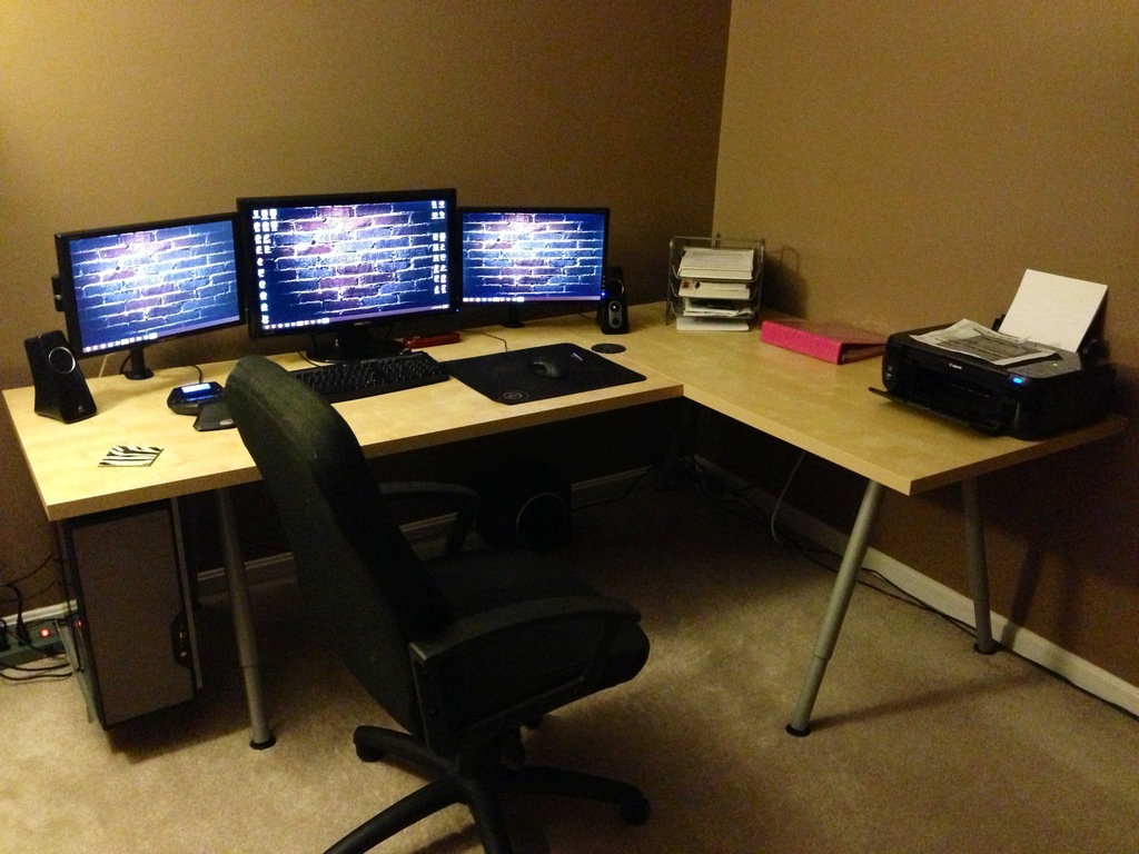 Image of: Modern Computer Desk With Hutch IKEA