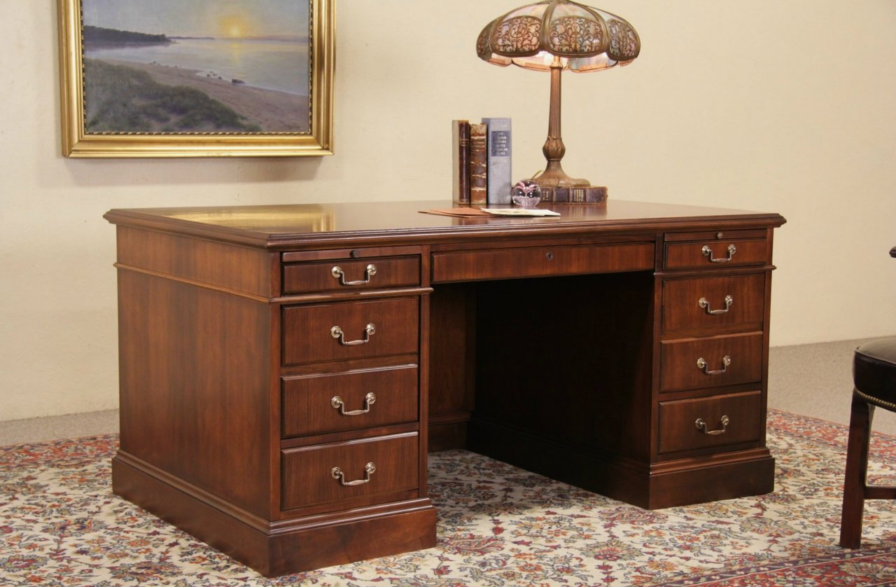 Image of: Top Antique Executive Desk