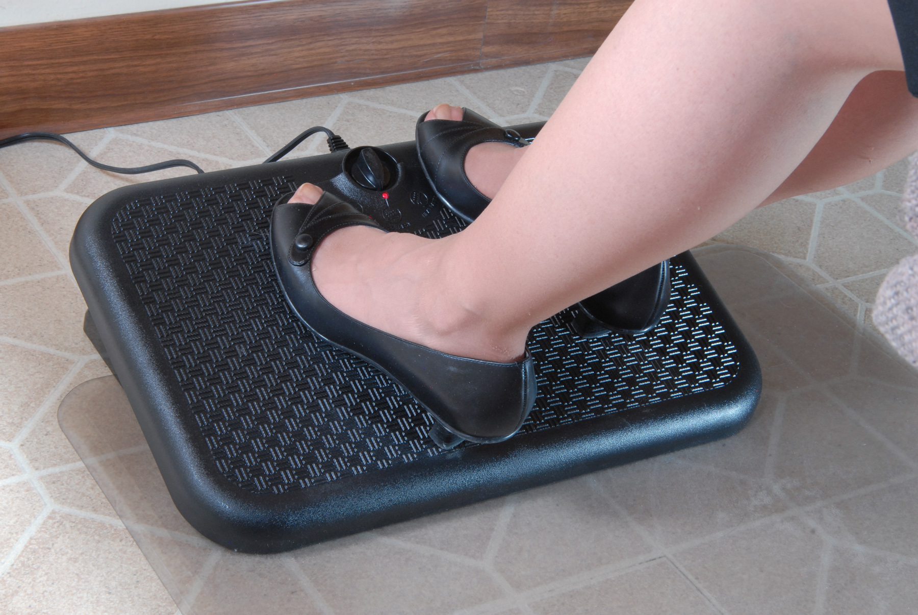 Image of: Top Desk Foot Rest