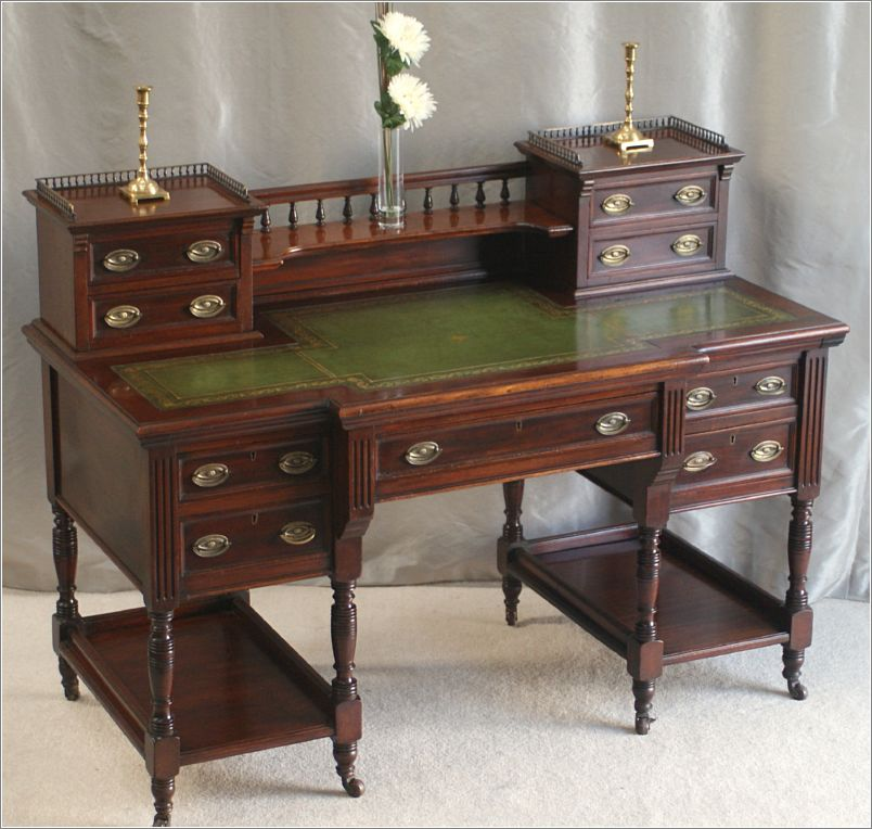 Image of: Victorian Antique Writing Desk
