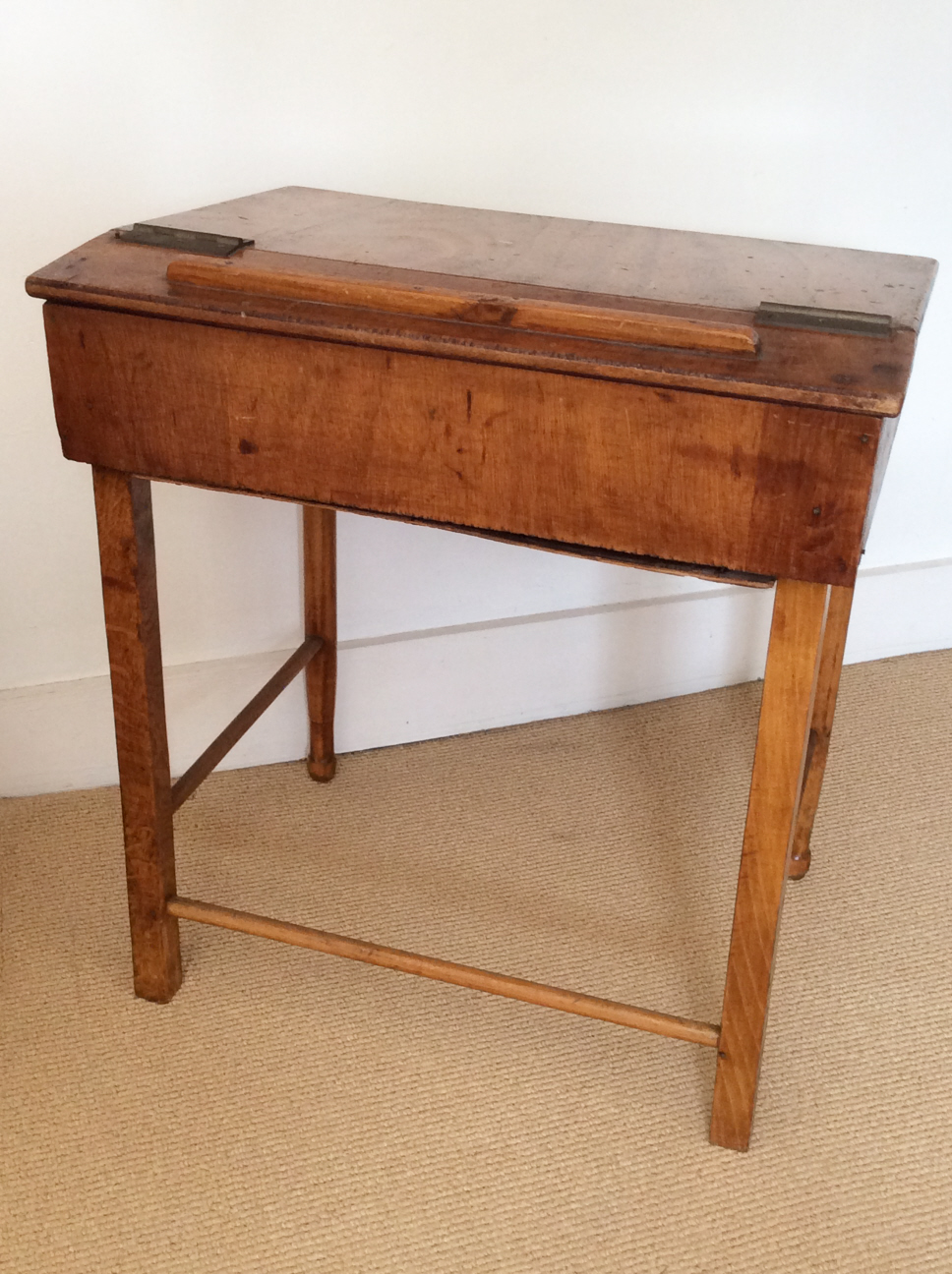 Image of: Vintage Childs Desk