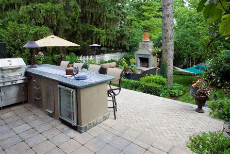 Image of: Amazing Backyard Grill Patio Ideas