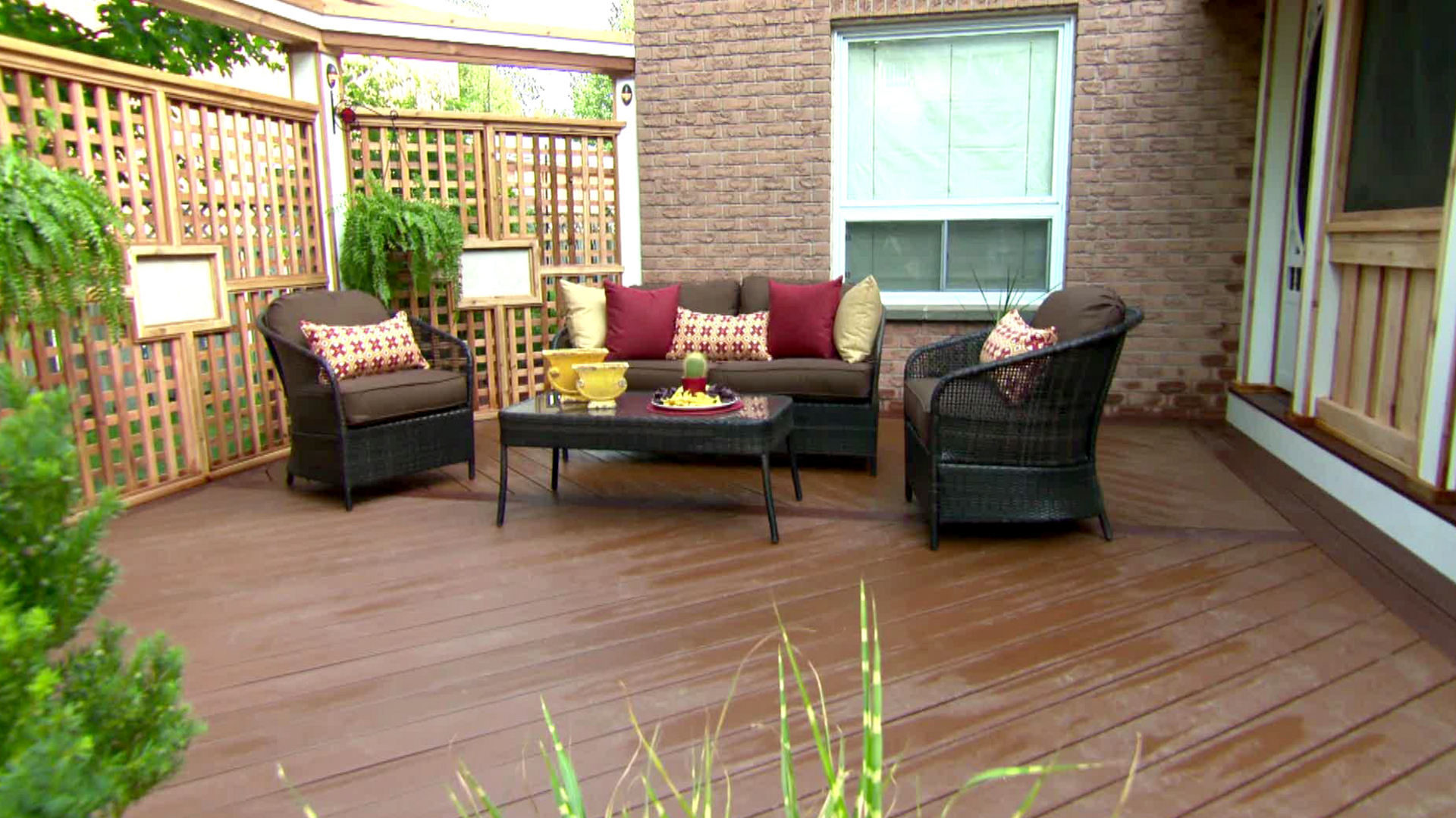 Image of: Back Deck Patio Ideas