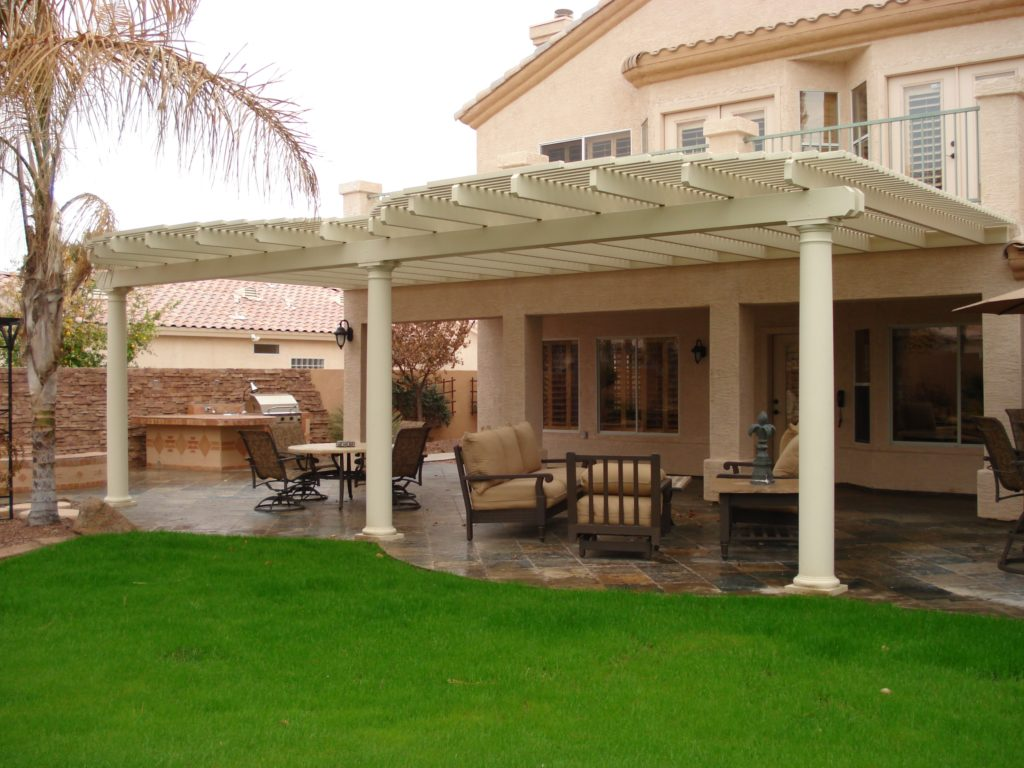 Image of: Backyard Patio Cover Lattice