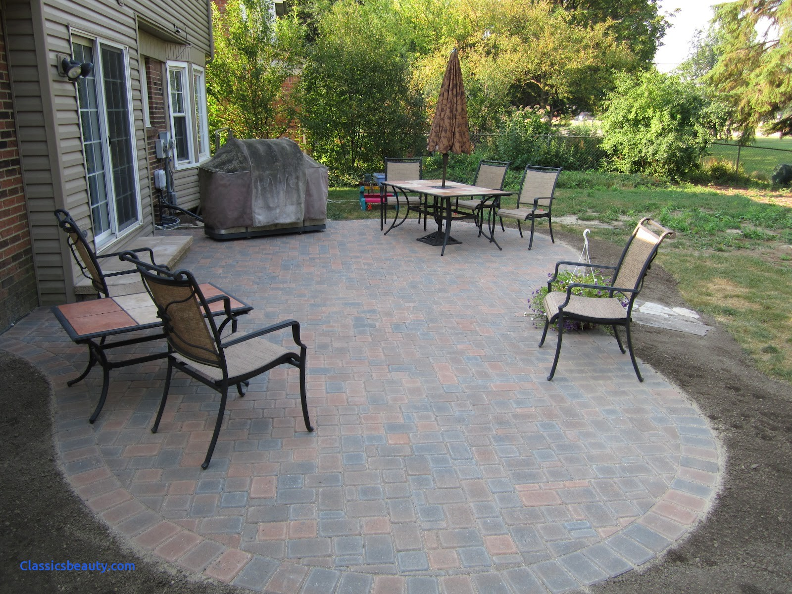 Image of: Backyard-Paver-Patio-Ideas-Designs-Pictures