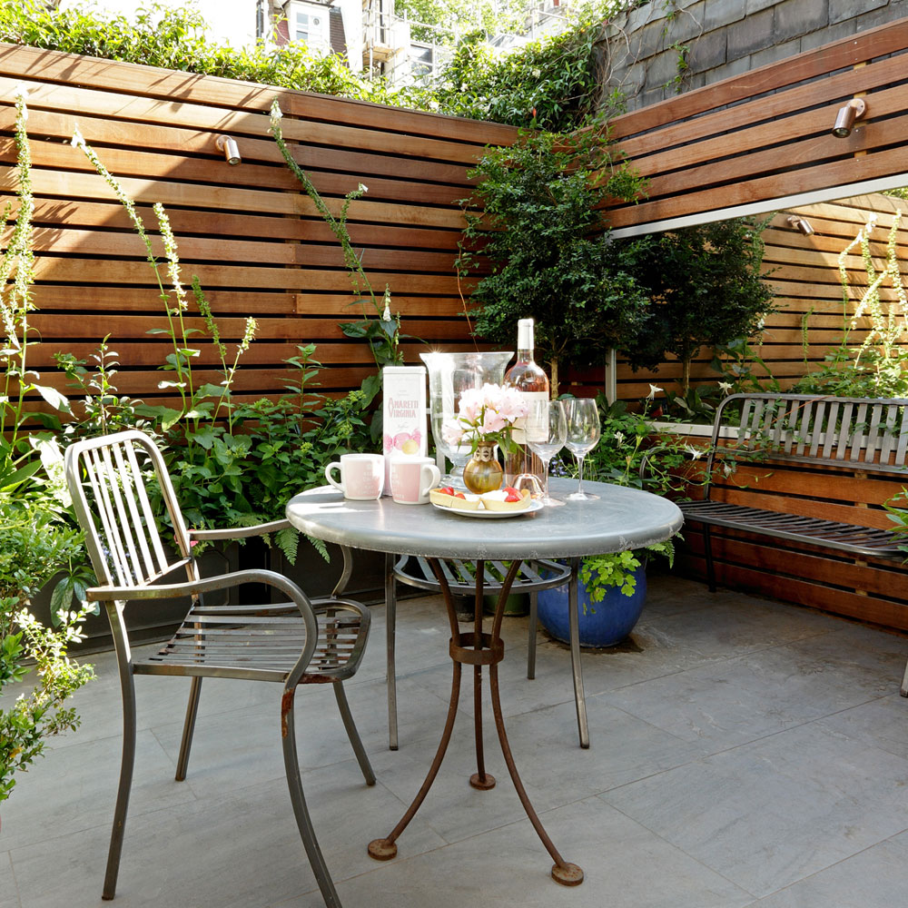 Image of: Backyard Small Patio Design Ideas