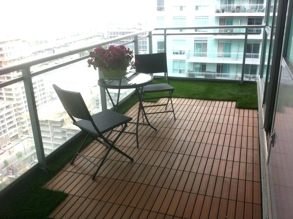 Image of: Balcony Patio Flooring Ideas