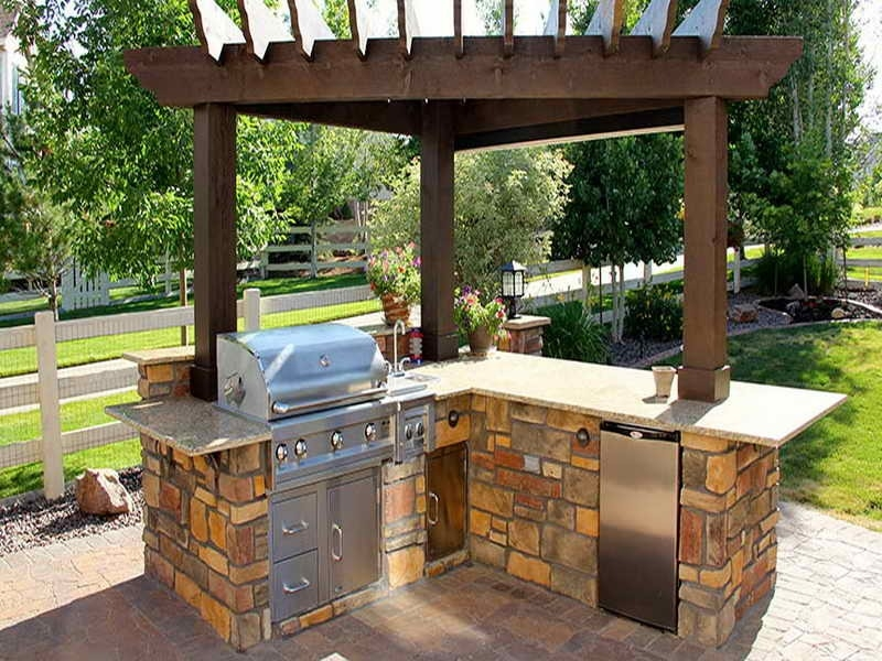 Image of: Amazing Backyard BBQ Grill Patio Ideas