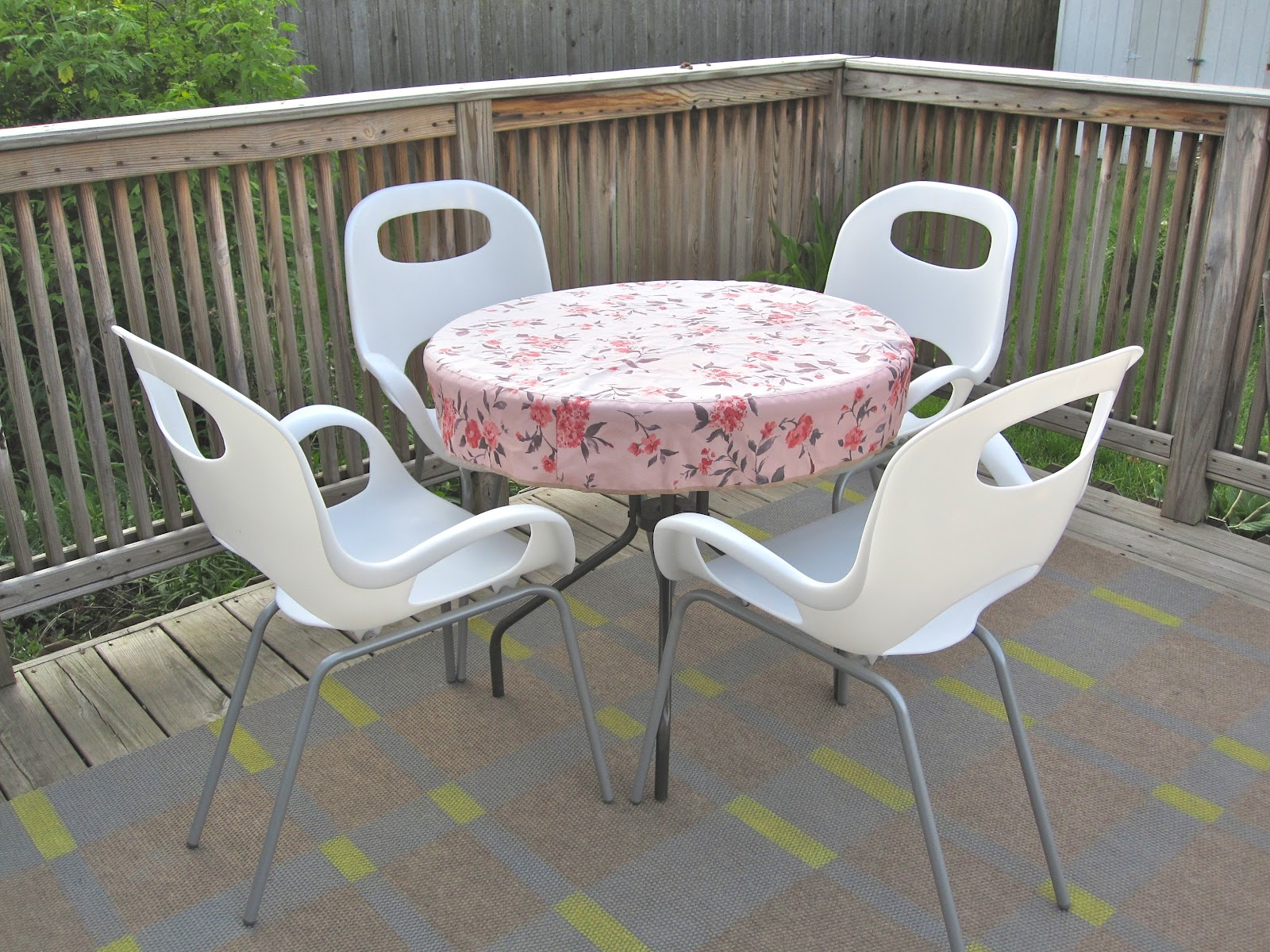 Image of: Best Patio Furniture Cover Table