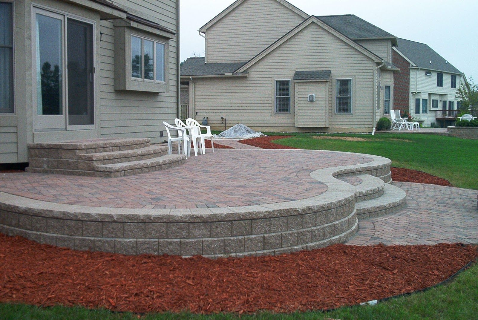 Image of: Brick Paver Patio Ideas Depth