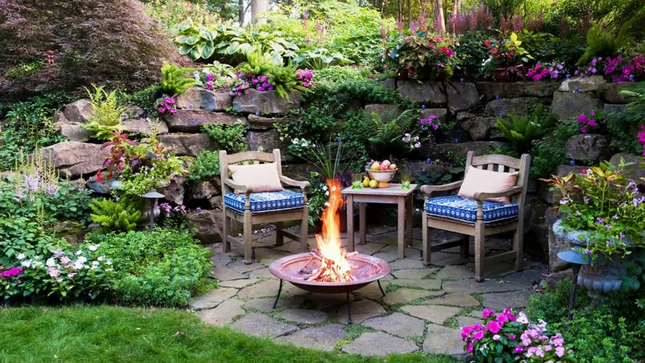 Image of: Cozy Small Patio Furniture Ideas